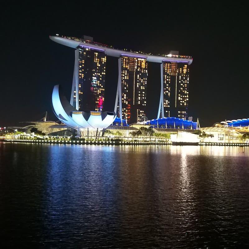 Noche céntrica de Singapur fotografía de archivo