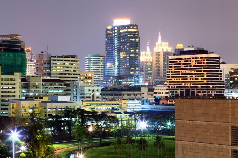 Noche de Bangkok Sktlines fotos de archivo