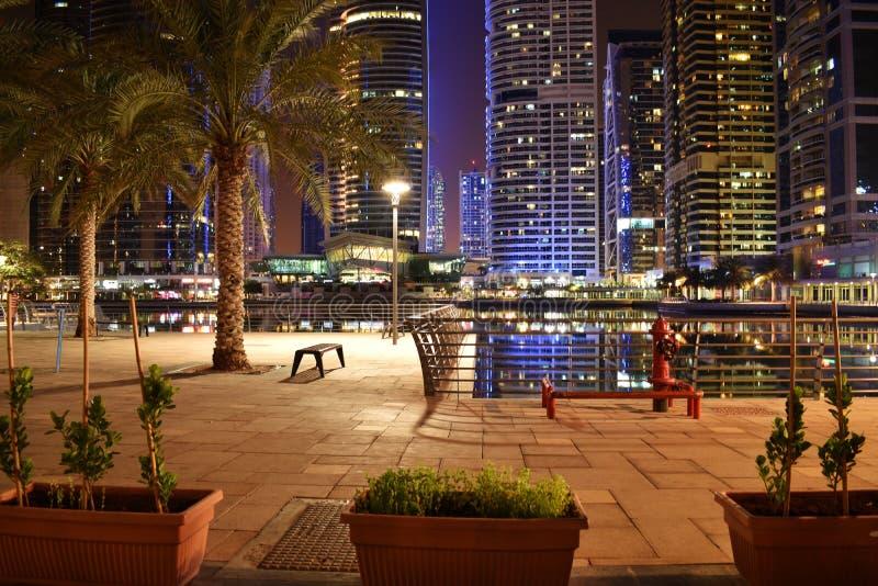 Noche de Dubai imagen de archivo libre de regalías