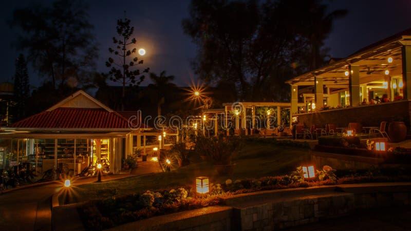 Noche de Fullmoon fotografía de archivo libre de regalías