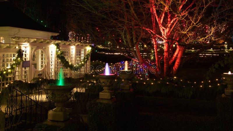 Noche de la Navidad en los jardines de Butchart, Victoria, A.C., Canadá - Dece fotografía de archivo