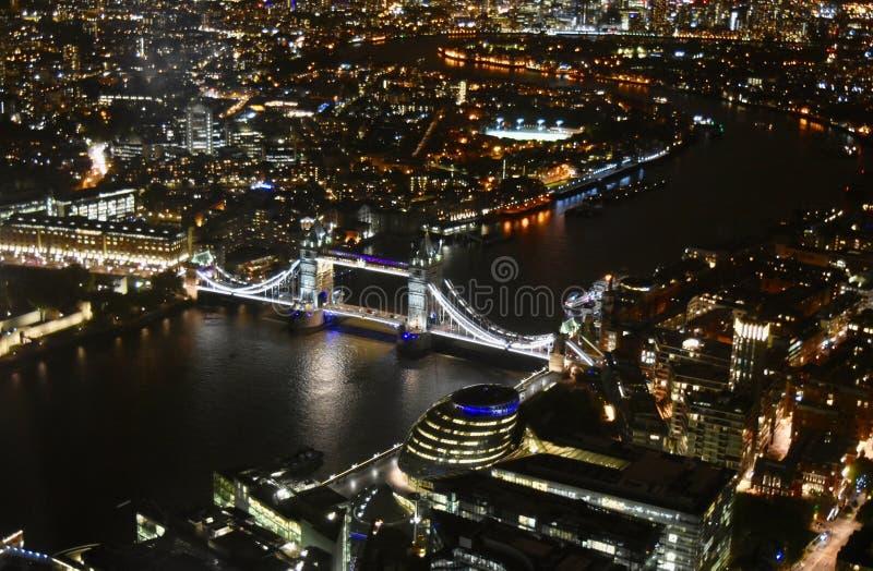 Noche de la opinión de Londres foto de archivo