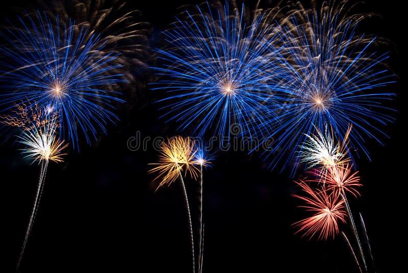 Noche de los fuegos artificiales foto de archivo