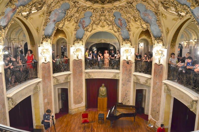 Noche de museos en Bucarest - George Enescu National Museum imágenes de archivo libres de regalías