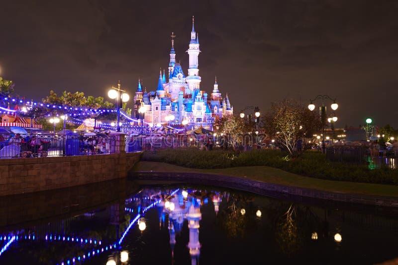 Noche del castillo de Disney fotografía de archivo