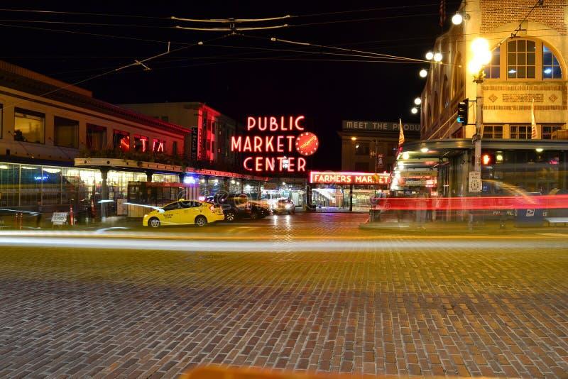 Noche en el mercado fotografía de archivo