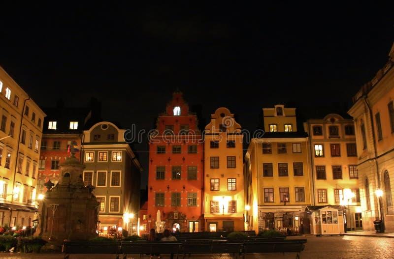 Noche en Stortorget en Estocolmo fotografía de archivo