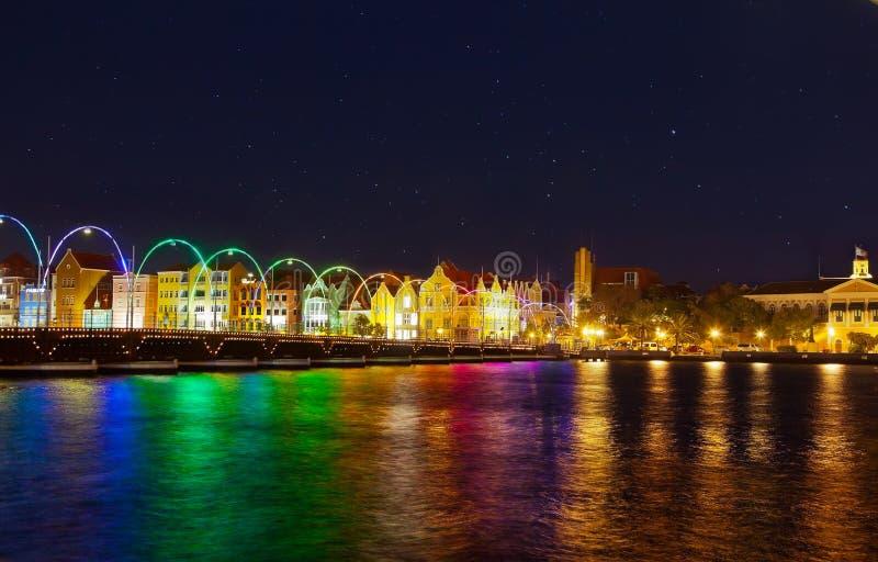 Noche en Willemstad imagen de archivo libre de regalías