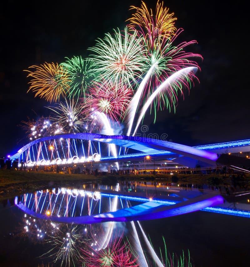 Noche hermosa de los fuegos artificiales en Taiwán imágenes de archivo libres de regalías