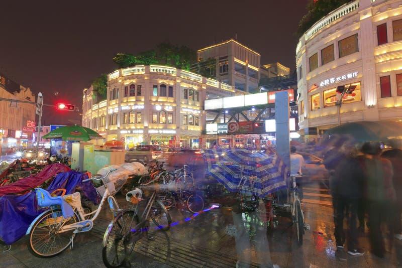 Noche lluviosa del camino del zhongshanlu fotografía de archivo