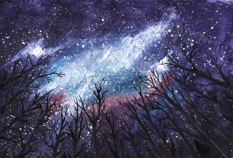 Noche oscura - vía láctea en el cielo a través de siluetas de árboles - ejemplo a mano de la acuarela del universo imagen de archivo