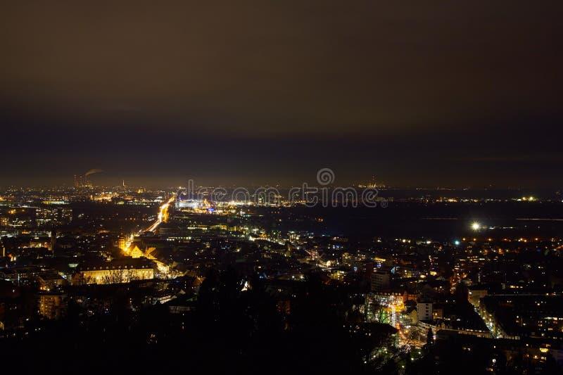 Noche tirada de Karlsruhe y de Durlach fotos de archivo