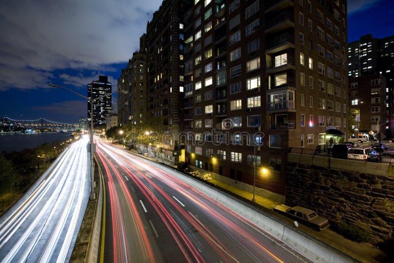 Noche tirada de una carretera foto de archivo
