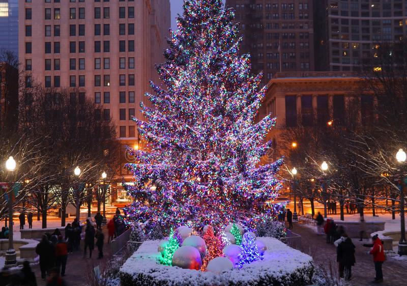 Nochebuena hermosa en el centro de la ciudad de Chicago fotos de archivo