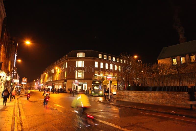 Noches en Cambridge, británicos del invierno fotos de archivo