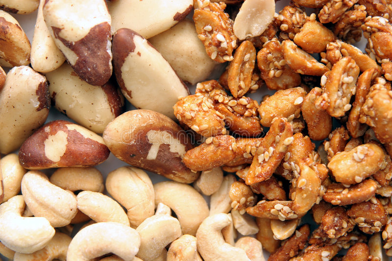 Noci ed arachidi immagini stock libere da diritti