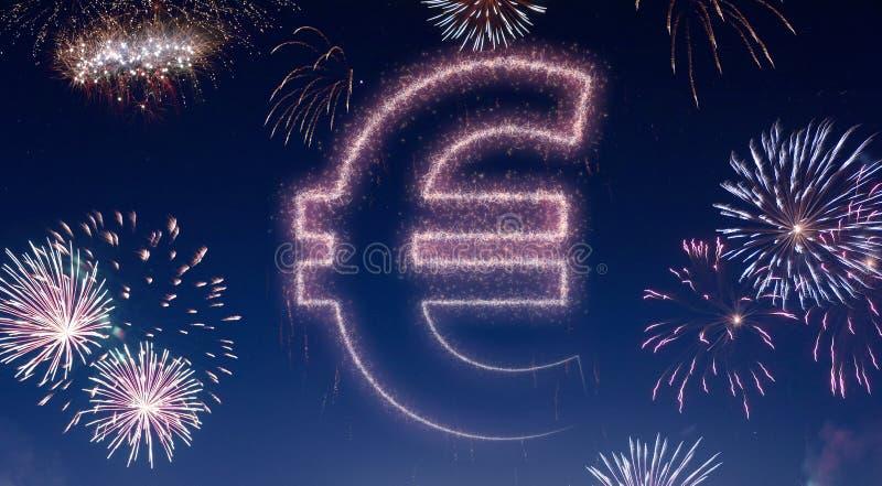 Nocne niebo z fajerwerkami kształtującymi jako Euro symbol serifs ilustracja wektor