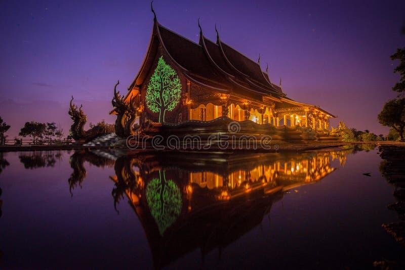 Nocy świątynia obrazy stock