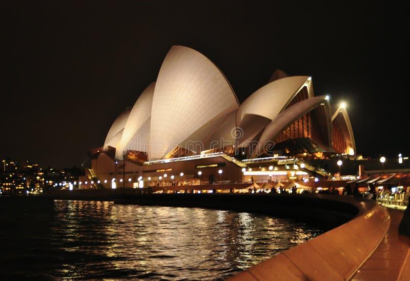 Nocy fotografia opera, jest miejsca wydarzenia przedstawieniami centre w Nowych południowych waliach zdjęcia royalty free