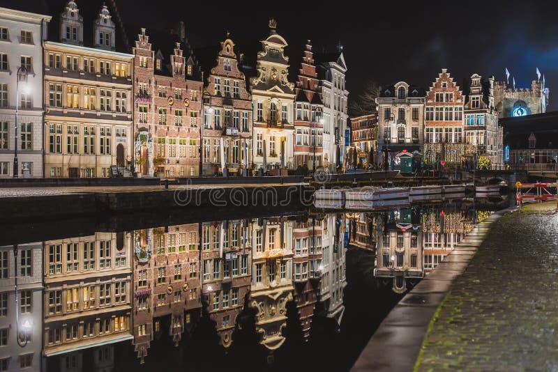 Nocy Ghent kanał w Starym miasteczku obraz royalty free