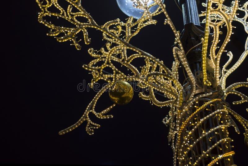 Nocy iluminacja dla Bożenarodzeniowych wakacji zdjęcie stock