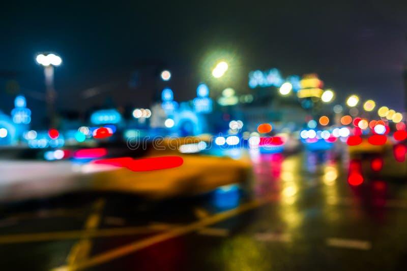 Nocy miasta ruch drogowy w gigantycznej metropolii Miasta bokeh lekki tło Defocused nocy światła ruchu zdjęcia stock