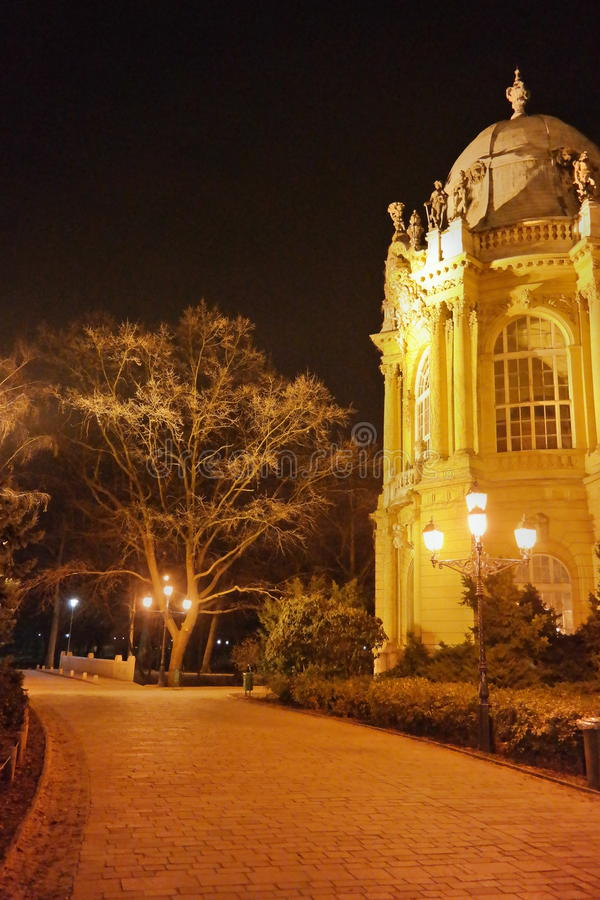 Nocy scena Vajdahunyad kasztel 4, Budapest, Węgry obrazy stock