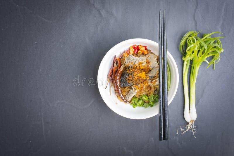 Noedels in het Rundvleesnoedel van Thailand op zwarte lijst Hoogste mening royalty-vrije stock afbeeldingen