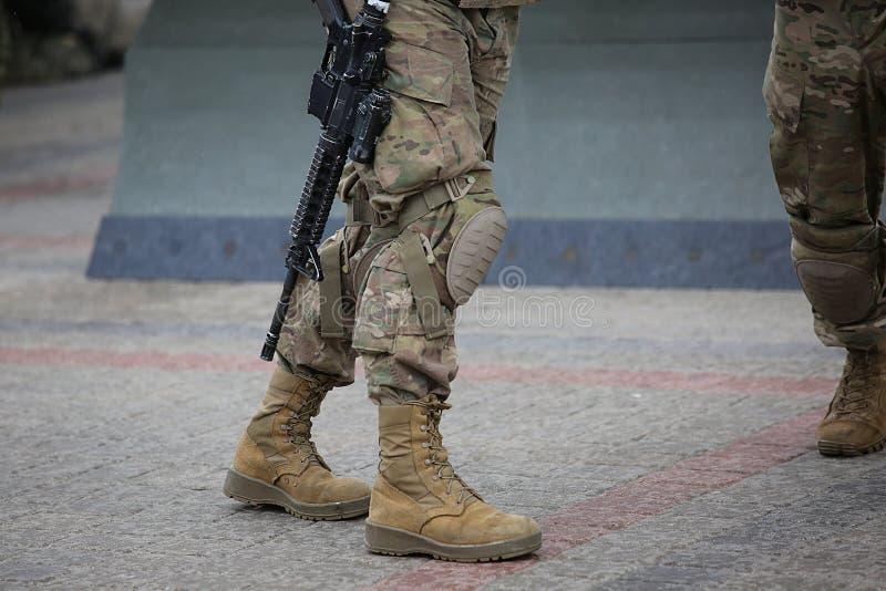Nogi żołnierze w kamuflażu zdjęcia royalty free