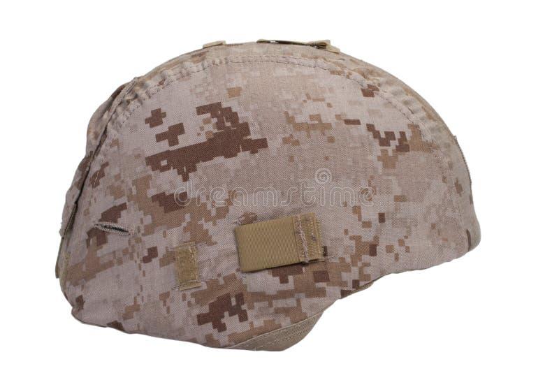 Noi casco del Kevlar dei marinai con la copertura del cammuffamento del deserto fotografie stock