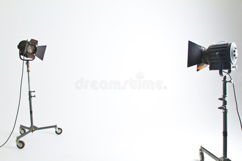 Noir 2 et éclairage de studio de Brown dans la chambre blanche images libres de droits