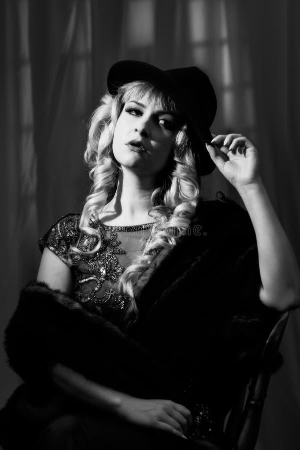 Noir kvinna för film arkivbilder