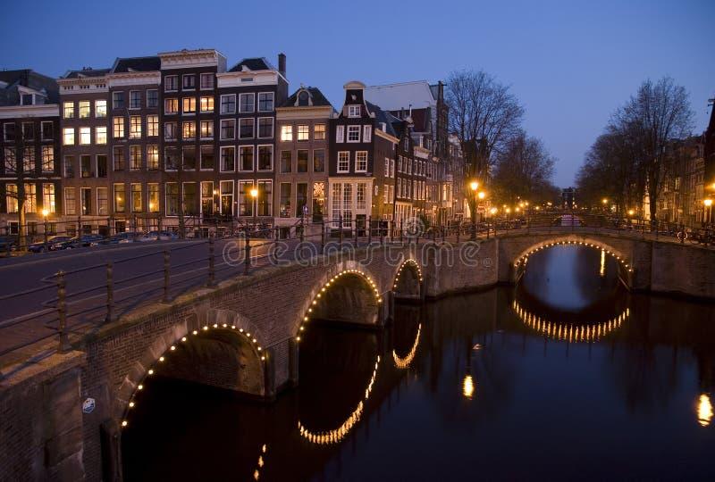 Noite 9 de Amsterdão fotografia de stock royalty free