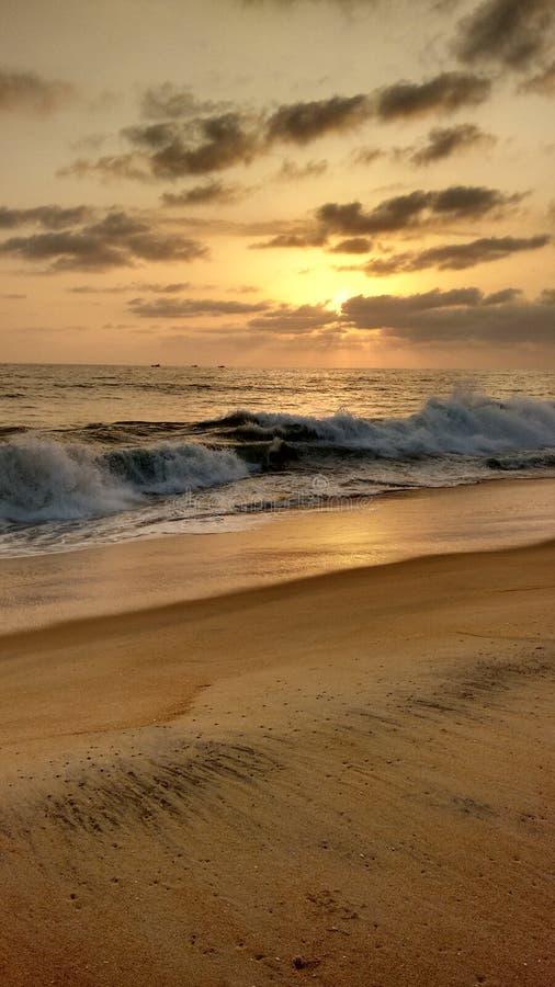 Noite bonita de kerala da praia do por do sol imagens de stock royalty free