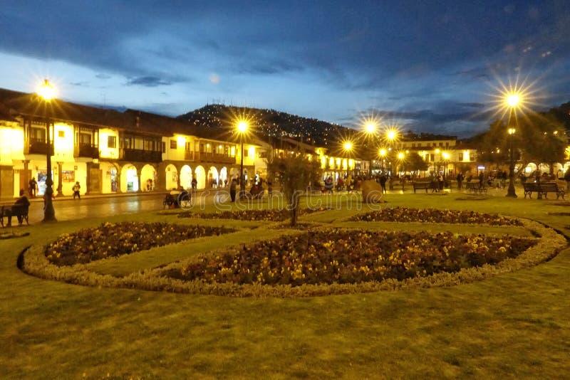 A noite bonita na cidade de Cusco, Peru imagem de stock