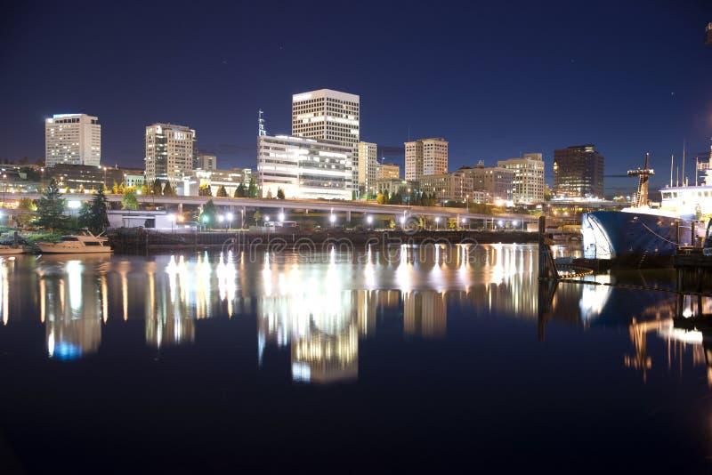 A noite cai porto marítimo internacional Thea Foss Waterway Tacoma Sky imagens de stock