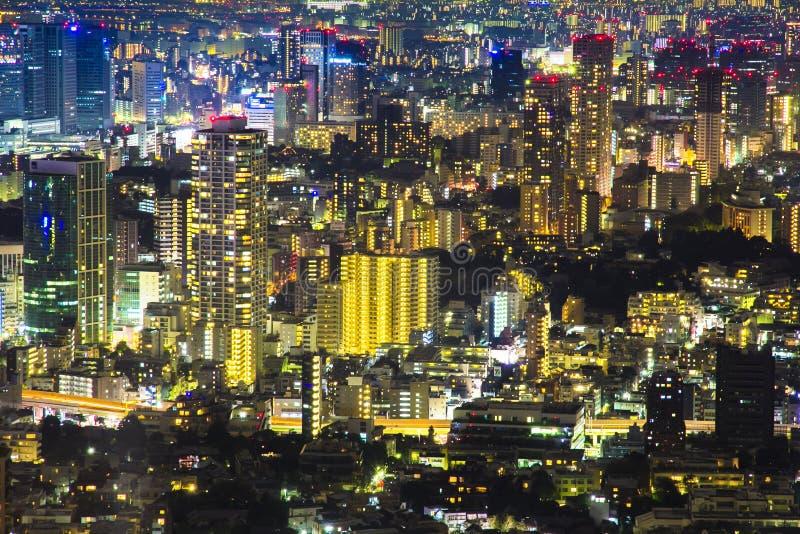 Noite da cena da arquitetura da cidade do Tóquio da opinião do céu do Roppongi H foto de stock