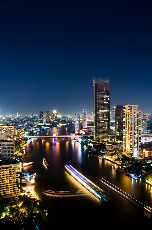 Noite da cidade de Banguecoque, Tailândia. fotos de stock royalty free