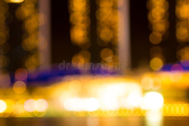 A noite da cidade de Singapura ilumina o bokeh borrado imagem de stock