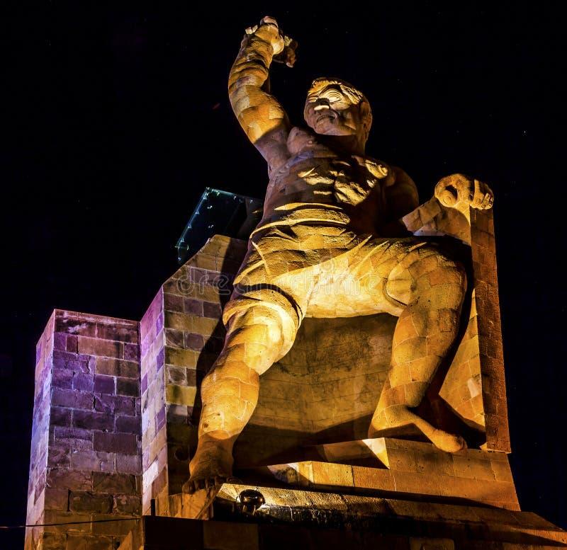 A noite da estátua do EL Pipila Stars Guanajuato México foto de stock