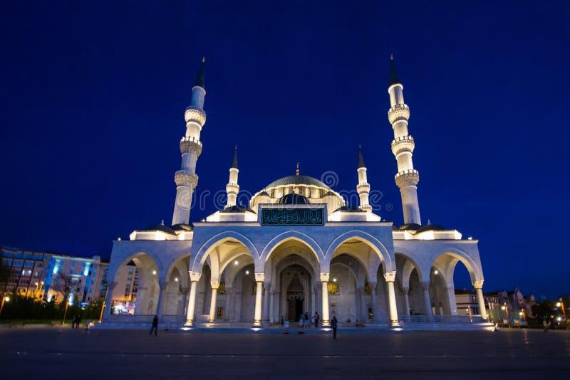 Noite da mesquita de Kocatepe disparada do cenário fotos de stock royalty free