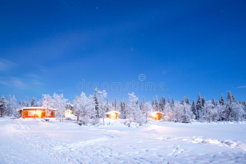 Noite da paisagem do inverno imagem de stock royalty free