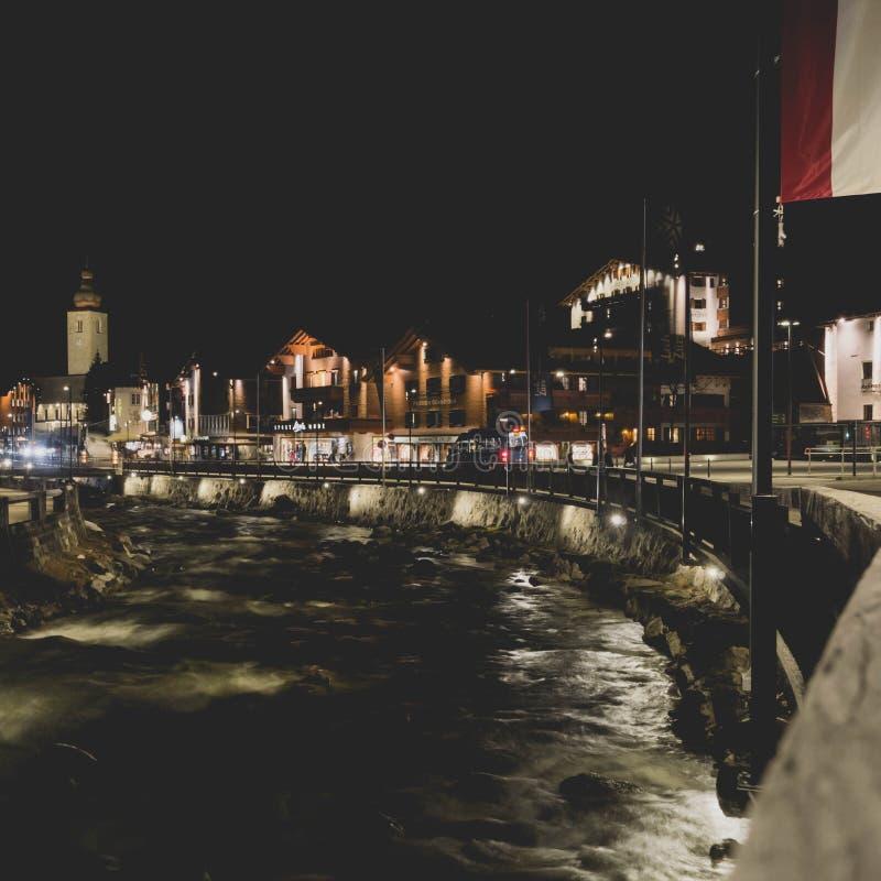 Noite da vila no rio foto de stock royalty free