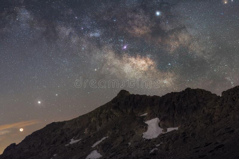 Noite das montanhas imagens de stock