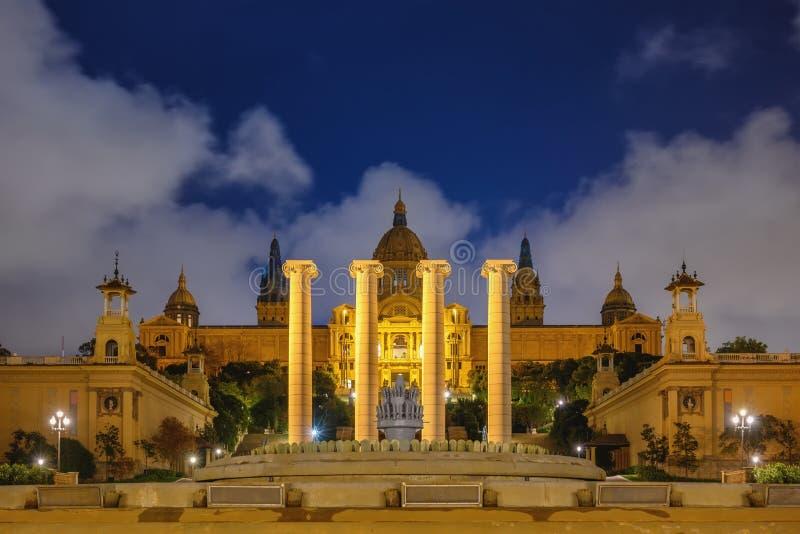Noite de Barcelona, Espanha, no Museu Nacional de Arte da Catalunha imagens de stock