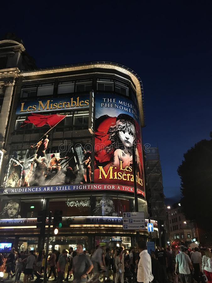A noite de Londres imagens de stock