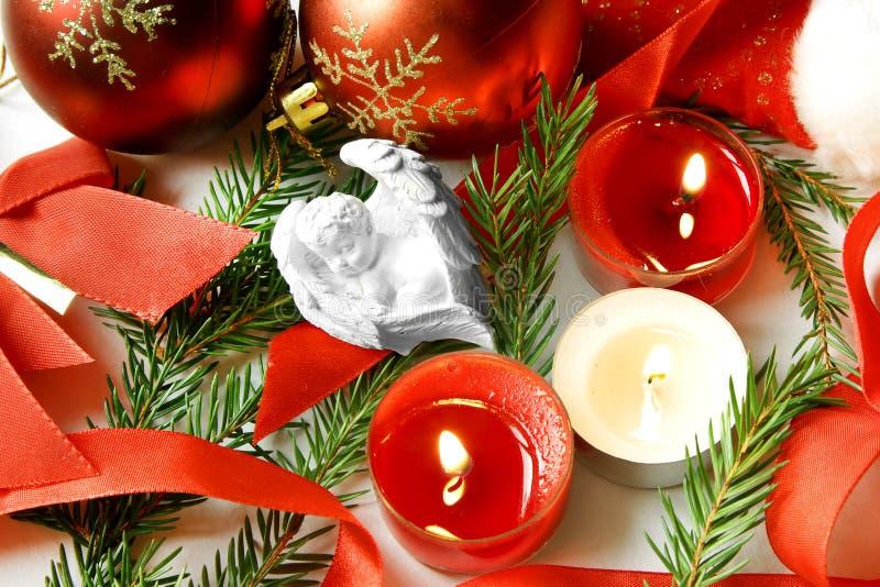 Noite de Natal branca dos sonhos doces do bebê do anjo imagem de stock