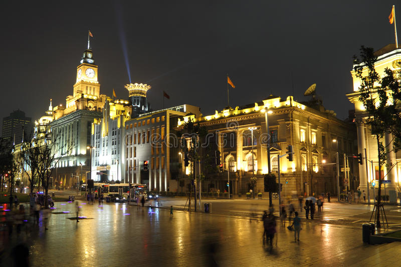 Noite de Shanghai - a barreira imagens de stock