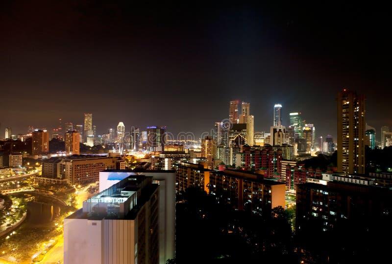Noite de Singapore imagem de stock royalty free