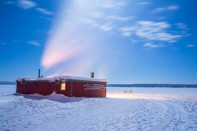 Noite de Sweden lapland da paisagem do inverno fotos de stock royalty free